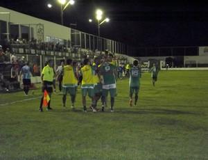 Renan Marques comemora primeiro gol pelo Alecrim (Foto: Jocaff Souza)