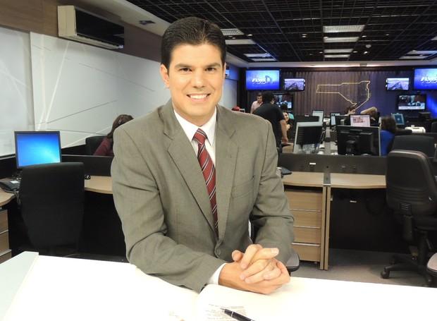 Fabian Londero volta na sexta (2) com as informações do RBS Notícias  (Foto: Valéria Martins/RBS TV SC)