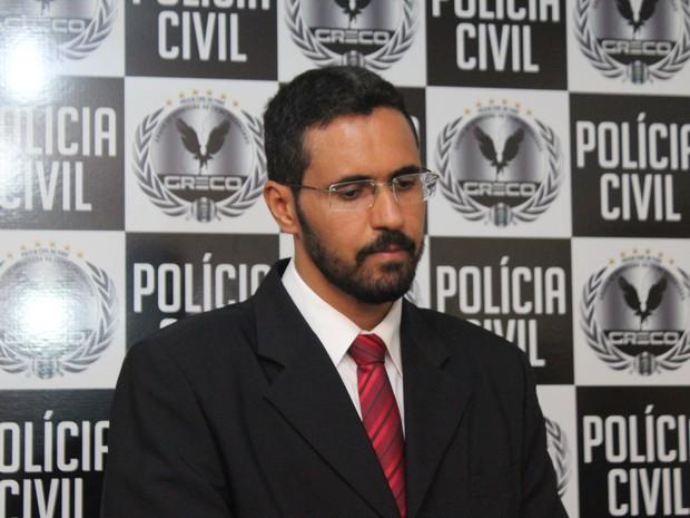 Delegado diz que suspeito está sendo investigado por corrupção passiva (Foto: Fernando Brito/G1)