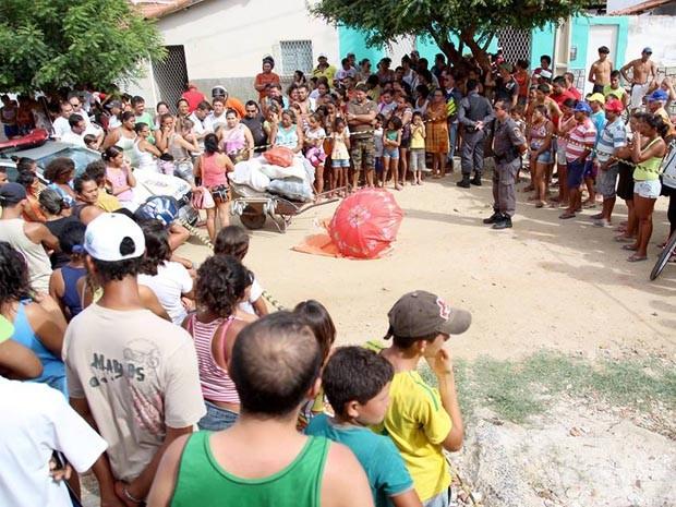 Esse foi o primeiro homicídio registrado pela PM em Caicó em 2014 (Foto: Marcos Sousa)