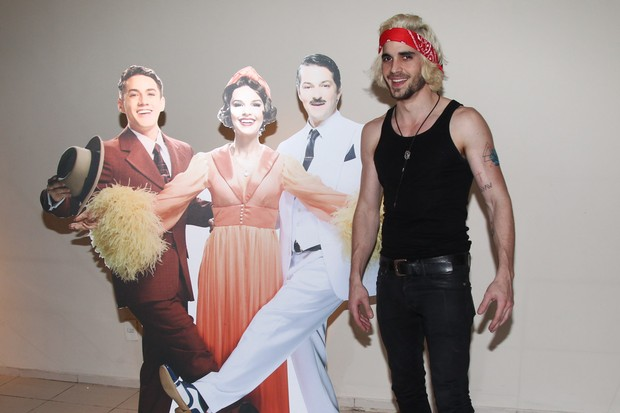 Fiuk em estreia de musical em São Paulo (Foto: Manuela Scarpa e Marcos Ribas/ Foto Rio News)