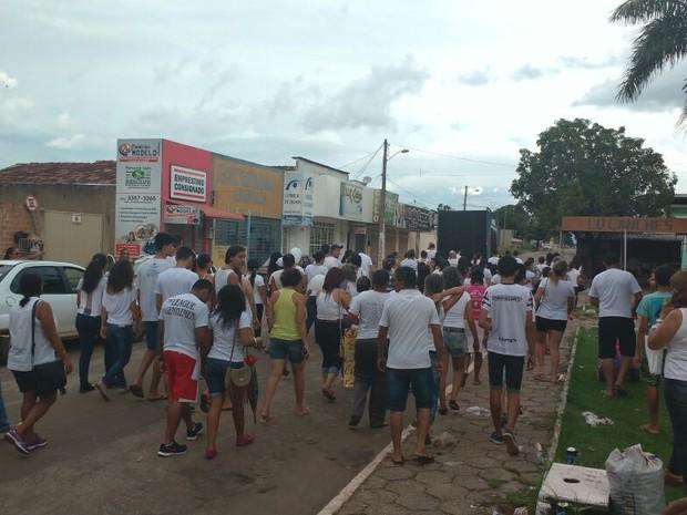 População de Formoso do Araguaia fez manifestação (Foto: Flávia Falcão/Divulgação)