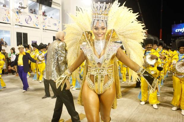 Juliana Alves desfilando pela Unidos da Tijuca (Foto: Anderson Barros / EGO)