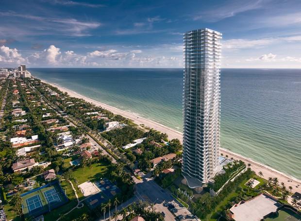 Edifício Regalia se destaca na praia de Sunny Isles em Miami (Foto: Divulgação)