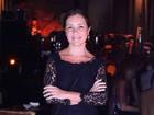 Adriana Esteves, Cris Vianna e outros famosos vão a festa no Rio