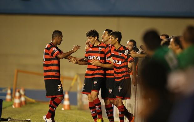 Atlético-GO x Vila Nova - Série B 2014 - Comemoração (Foto: Ricardo Rafael / O Popular)