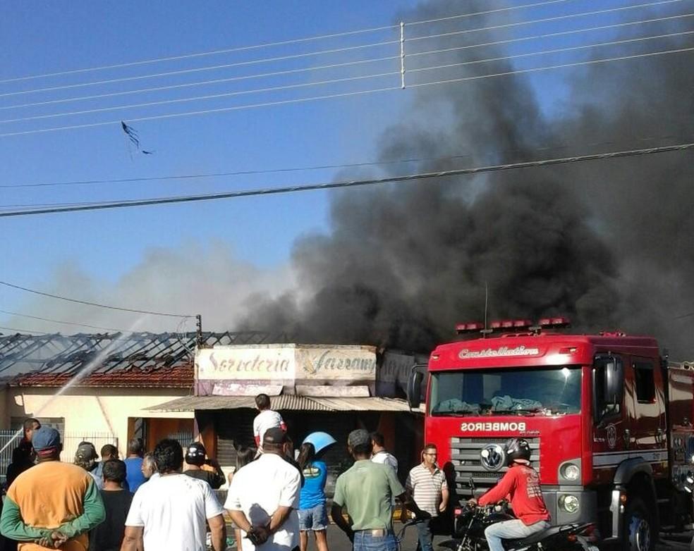Polícia vai investigar as causas do incêndio  (Foto: Arquivo Pessoal )
