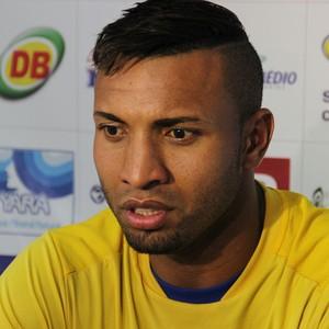 Jones fez dois gols na Série D e prega foco no Amazonense (Foto: Marcos Dantas)
