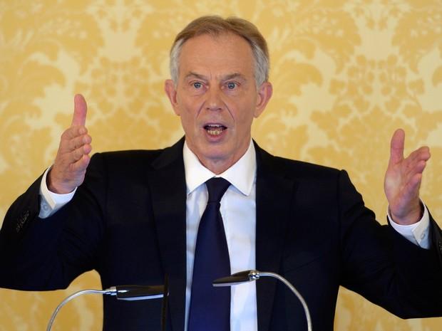 Ex-primeiro ministro britânico fez pronunciamento nesta quarta-feira (6) após divulgação de relatório que critica engajamento do Reino Unido na invasão do Iraque  (Foto: Stefan Rousseau/ Reuters)