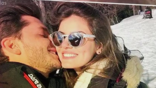 Klebber Toledo abre o coração sobre Camila Queiroz: 'Apaixonado'