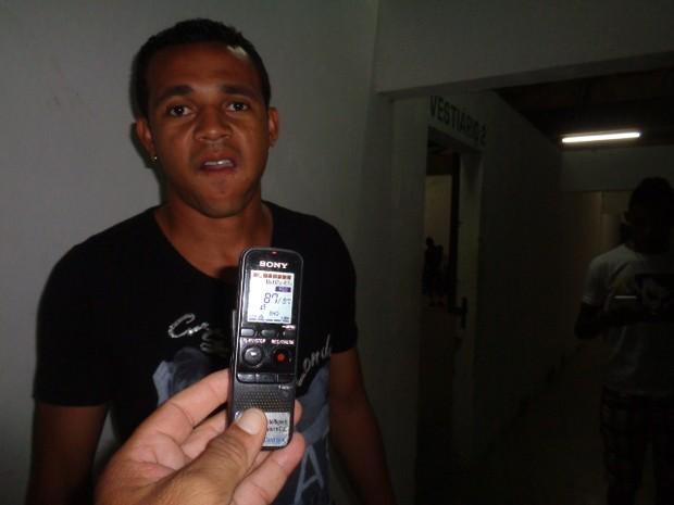 Jogador teria se envolvido em discussão e foi morto com dois tiros (Foto: Floriano News)