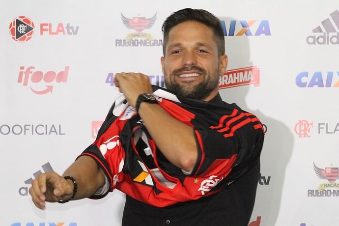 Diego apresentação Flamengo (Foto: Gilvan de Souza/Flamengo)