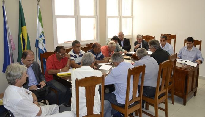 Assembleia para mudanças no Estatuto da FES (Foto: Sidney Magno Novo/GloboEsporte.com)