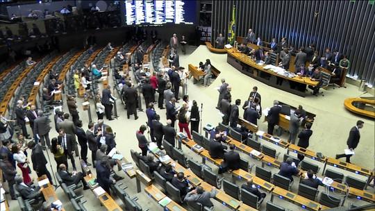 Imposto sindical obrigatório pode voltar em texto discutido no Senado