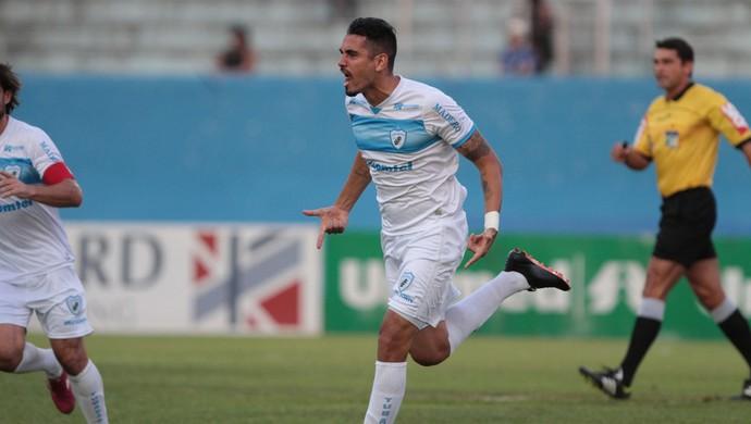 londrina gol luizão confiança série c (Foto: Roberto Custódia/Jornal de Londrina)