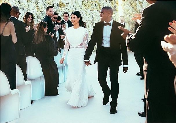 Kim e Kanye após a cerimônia, fofinhos! <3 (Foto: Reprodução/Instagram Kim Kardashian)