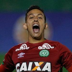 Danilo Chapecoense x Independiente (Foto: Marcio Cunha/EFE)