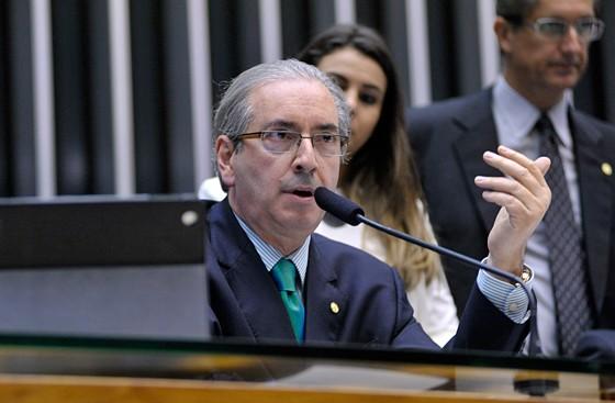 O presidente da Câmara, Eduardo Cunha, em sessão extraordinária desta quinta-feira (13) (Foto: Alex Ferreira / Câmara dos Deputados)