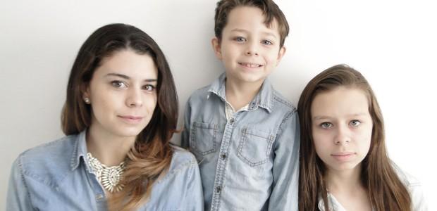 Marina Breithaupt, ao lado dos filhos Theo e Bárbara (Foto: arquivo pessoal)