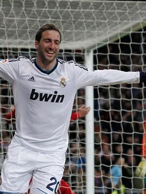 Higuain gol Real Madrid (Foto: Reuters)