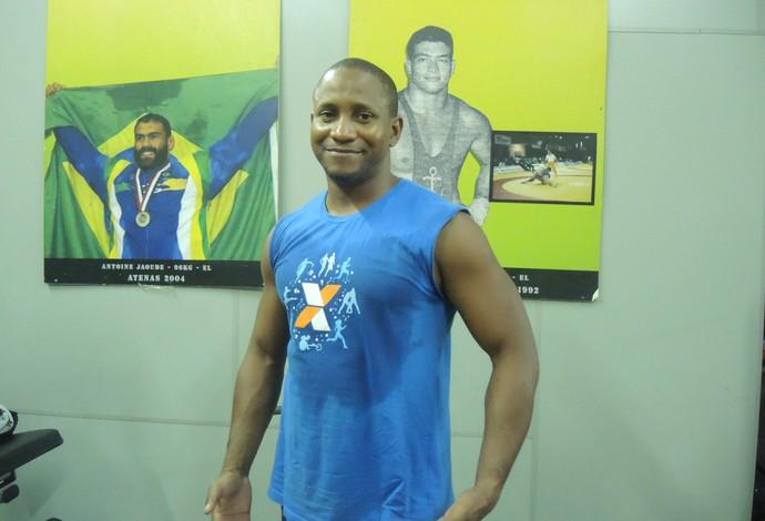 Juan Marén técnico luta olímpica (Foto: Flávio Dilascio)