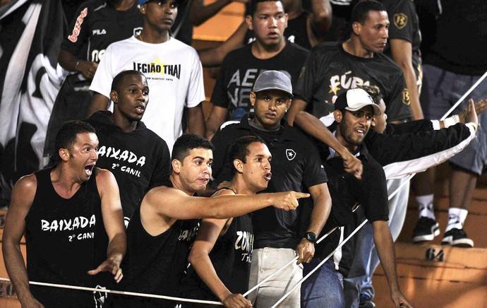 Torcida Botafogo Pacaembu (Foto: Marcos Ribolli)