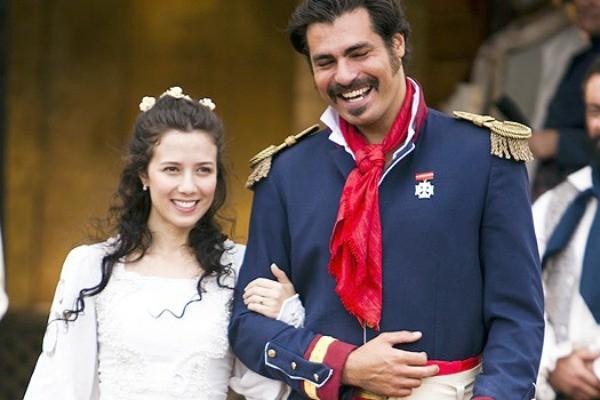 Marjorie Estiano é Bibiana e Thiago Lacerda é Capitão Rodrigo na minissérie 'O Tempo e o Vento' (Foto: Divulgação/TV Globo)