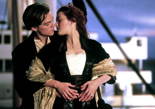 """Será que na época de """"Titanic"""", quando não havia smartphones, era mais fácil se relacionar? (Foto: Reprodução)"""