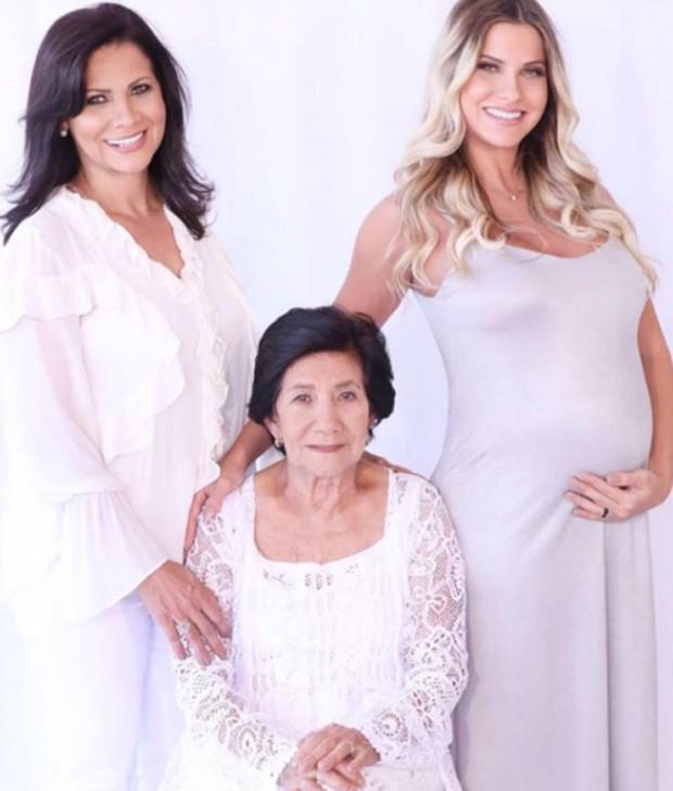 Andressa Suita com a mãe, Suely, e a avó Elza (Foto: Reprodução/Instagram)
