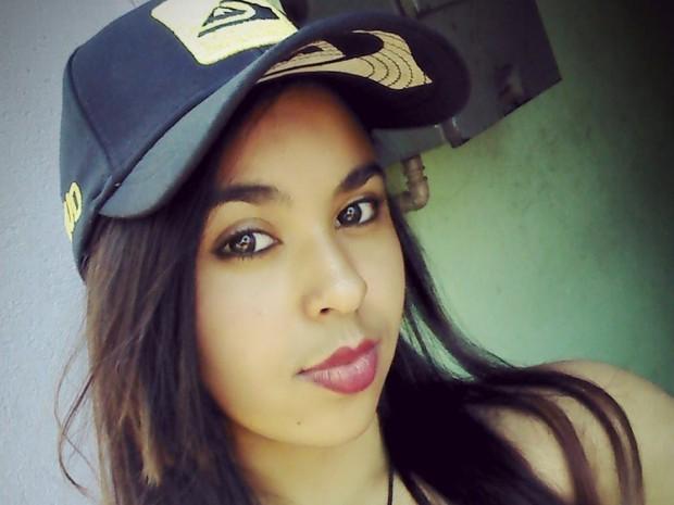 Fernanda saiu para acampar com Hiago e foi assassinada em Pitangueiras (Foto: Reprodução / Facebook)