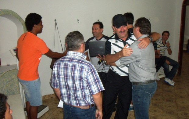 Leandro Campos se apresenta em Arapiraca (Foto: Jânio Barbosa/7Segundos)