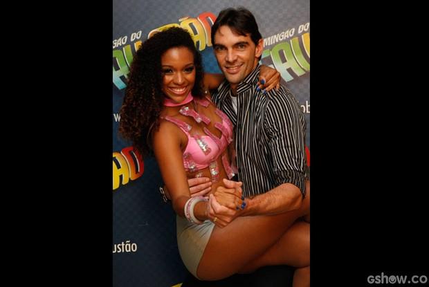 Giba e Camila Lobo (Foto: Raphael Dias/ TV Globo)
