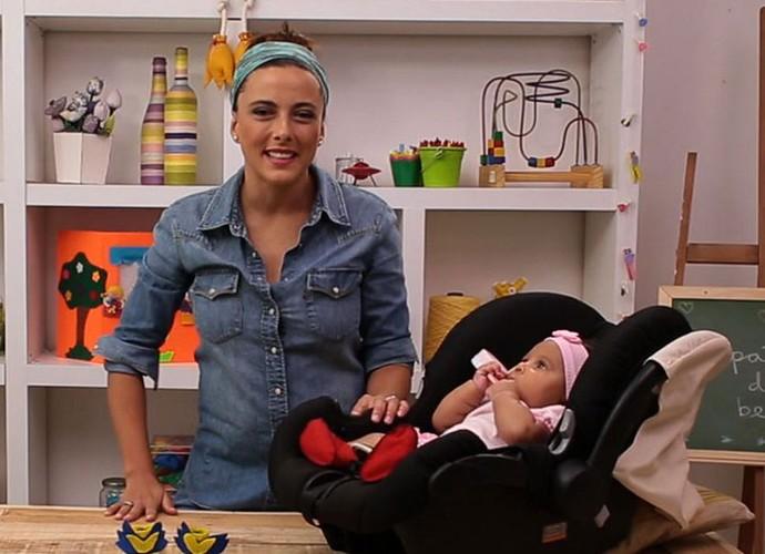 Veja como é simples e faça você mesma um sapatinho de bebê (Foto: sériesoriginais)