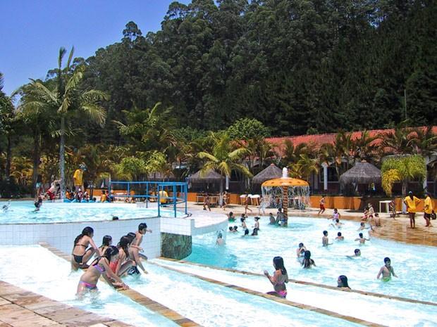 Parque Magic City possui oito toboáguas, além de piscinas aquecidas e cobertas (Foto: Paulo Kenzo Uemura/Divulgação)