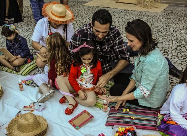 Mouhamed e Ana Flor se divertem com oficina de artes em aniversário (Foto:  Diego Reis)