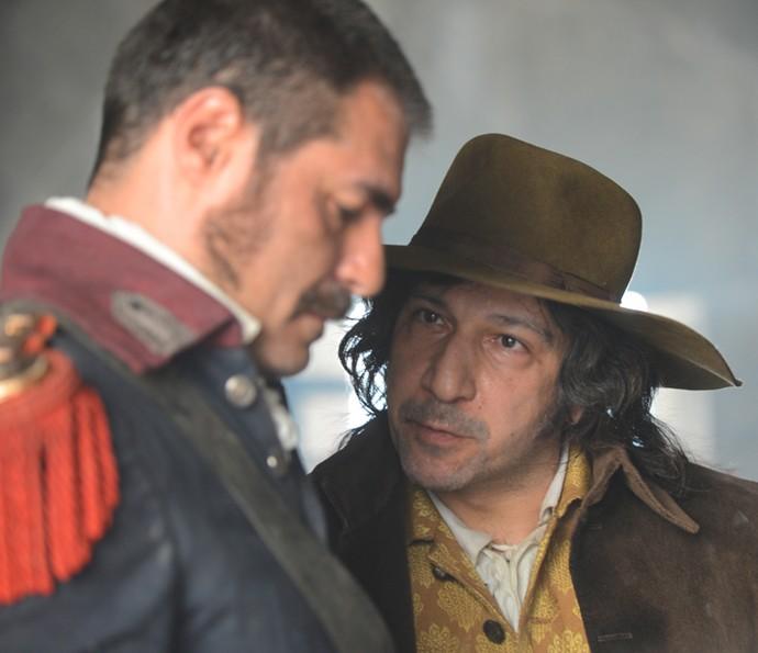 Jorge Emil na pele de Tomás Antônio Gonzaga, um dos inconfidentes mais ativos (Foto: Pedro Carrilho / TV Globo)