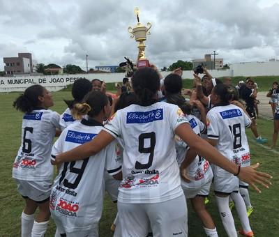 botafogopb, kashima, futebol feminino (Foto: Lucas Barros / GloboEsporte.com/pb)