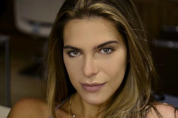 Maquiagem para dia e noite com Mariana Goldfarb (Foto: Roberto Teixeira / EGO)