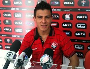 Ayrton, lateral do Vitória (Foto: Thiago Pereira)