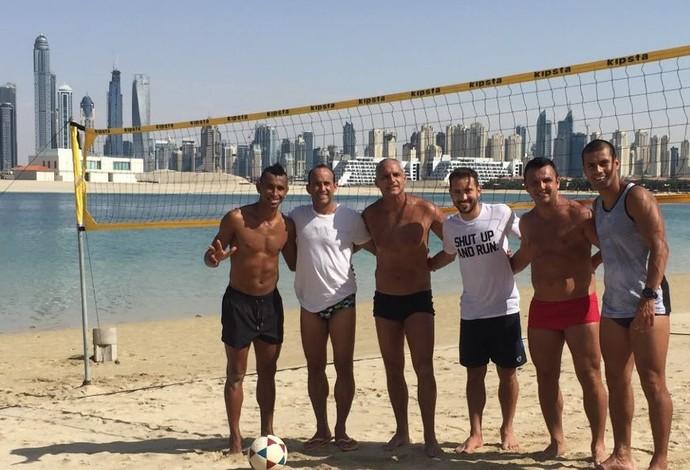 Éverton Ribeiro e Ciel Futevôlei Dubai (Foto: Arquivo Pessoal)