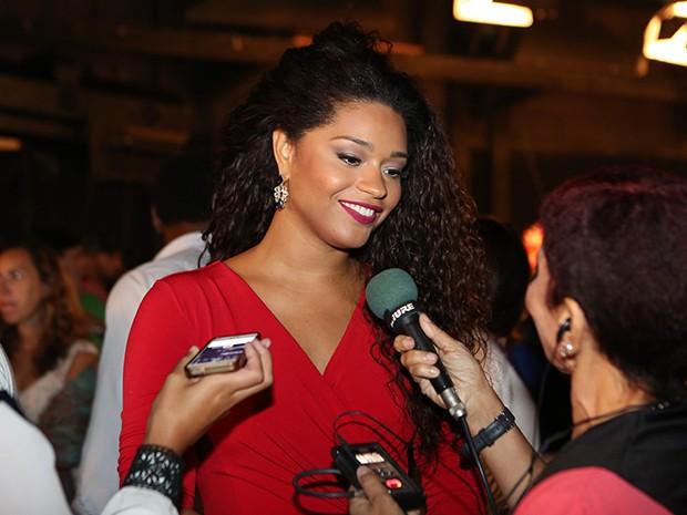 Juliana Alves interpreta a bela Valesca na nova novela das 9 (Foto: Carol Caminha/Gshow)
