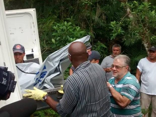 Legistas dizem que os corpos serão levados diretamente para São Paulo (Foto: Cássio Lyra / G1)