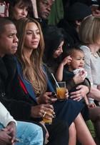 Filha de Kim Kardashian, North West, abre o berreiro em desfile de moda