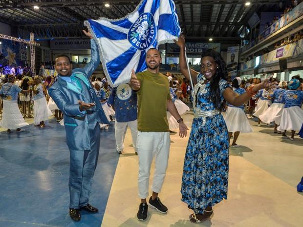 Jesse Williams com  David Sabiá e Fernanda Lhove (Foto: Divulgação)