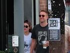 Kristen Stewart e Robert Pattinson são vistos em clima de romance