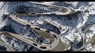 Aventura de caminhão em uma das estradas mais perigosas do mundo