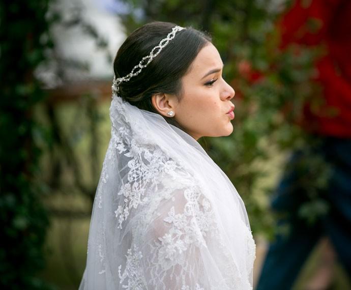 Mari é só alegria depois de se casar com Ben (Foto: Isabella Pinheiro/Gshow)