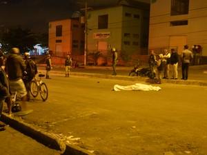 Motorista do veículo ficou ferido e foi levado para hospital (Foto: Anderson Oliveira/ Blog do Anderson)