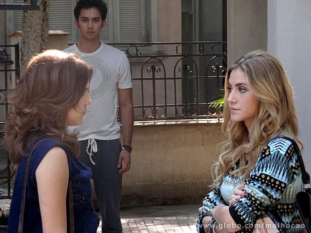 Ben percebe o climão entre Anita e Sofia (Foto: Malhação / TV Globo)