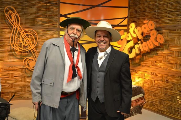 Neto Fagundes e o maior folclorista do Rio Grande do Sul:Paixão Côrtes  (Foto: Nice Sordi/RBS TV)